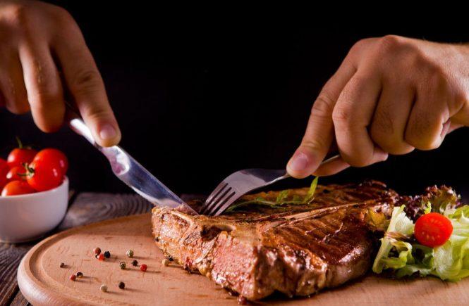 4 Penyakit Ini Mengancam Anda Jika Konsumsi Daging Kurban Berlebih